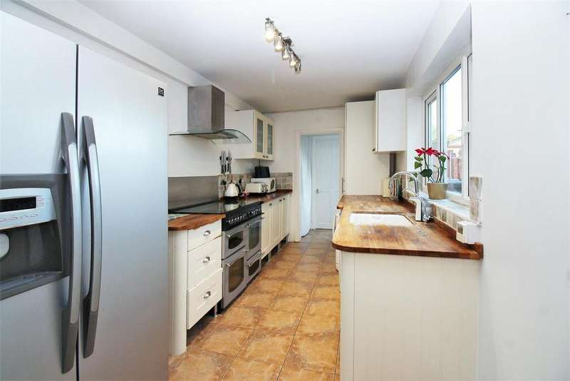 3 Bedrooms Terraced House for sale in Milton Street, Swanscombe