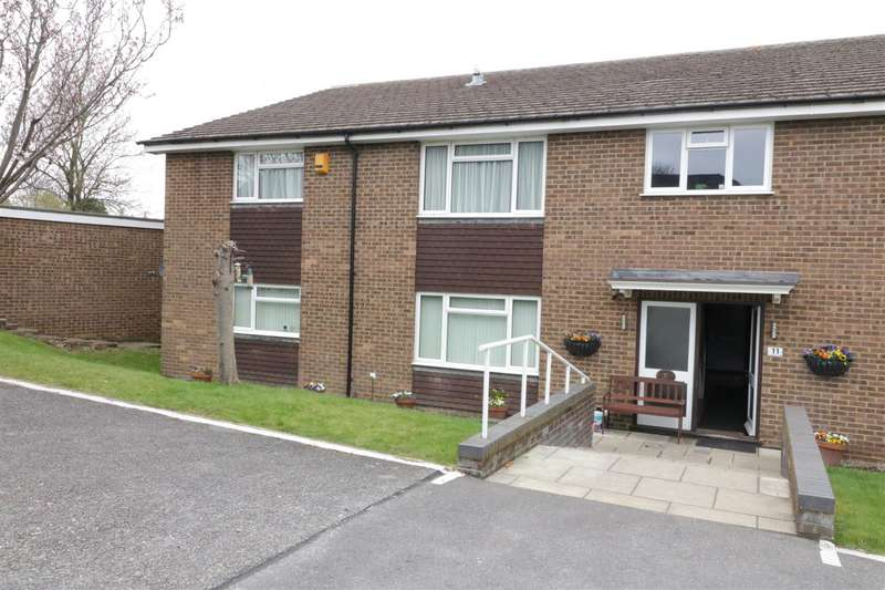 2 Bedrooms Apartment Flat for sale in 11 Lower Armour Road, Tilehurst, Reading
