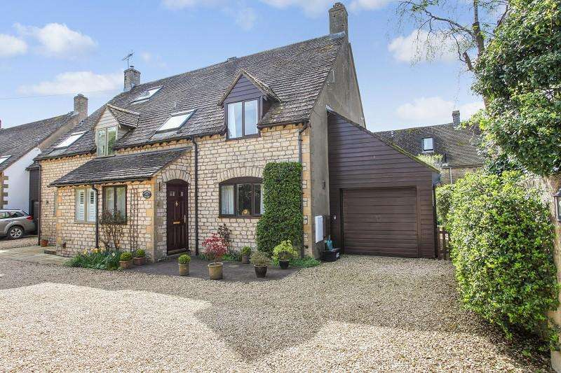 3 Bedrooms Semi Detached House for sale in 4 Chestnut Corner, White Hart Lane, Stow on the Wold, Gloucestershire. GL54 1AZ
