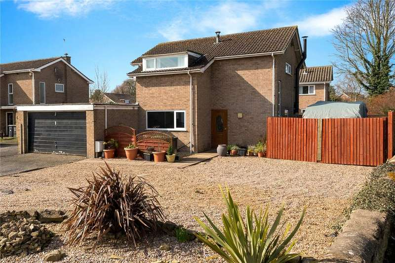 4 Bedrooms Detached House for sale in Wylson Close, Cranwell Village, Lincolnshire, NG34