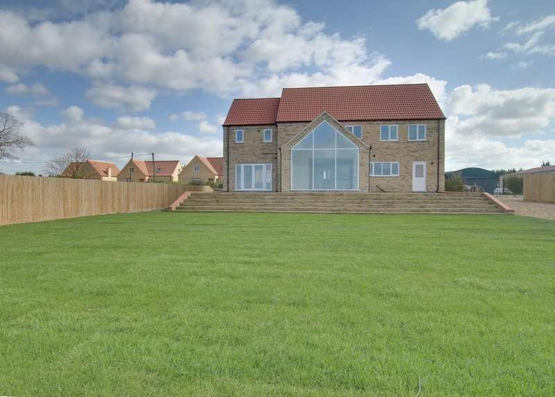 5 Bedrooms Detached House for sale in The Drove, Barroway Drove, Downham Market