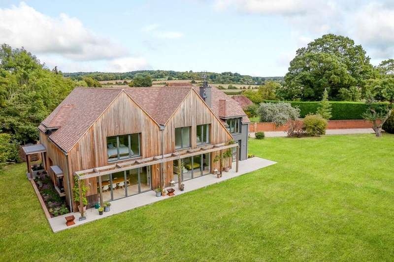 5 Bedrooms Detached House for sale in Bucklebury, Reading