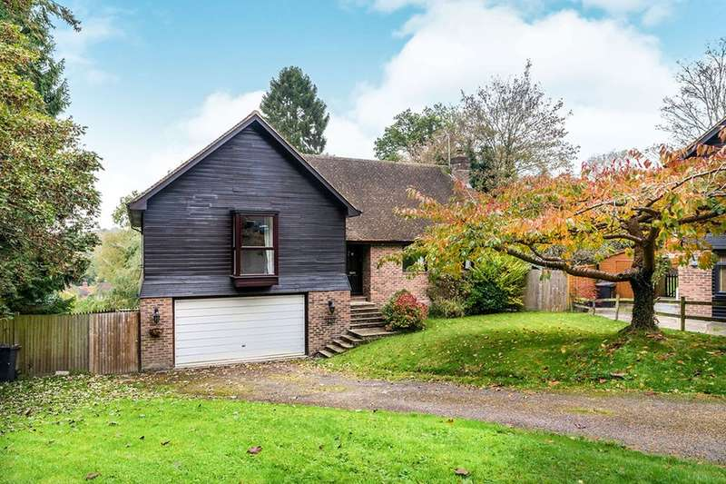 4 Bedrooms Detached House for sale in Ghyll Road, Crowborough, TN6