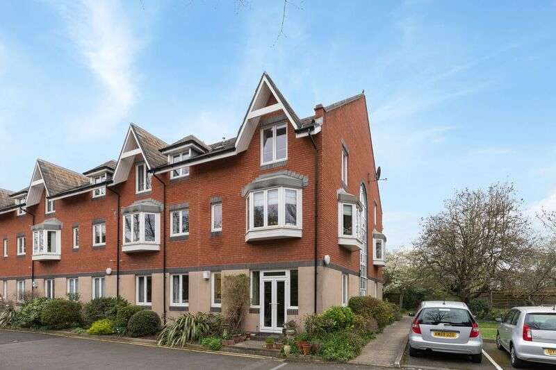 2 Bedrooms Retirement Property for sale in 2, Dulwich Mead, London, SE24