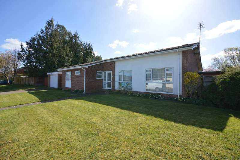 3 Bedrooms Bungalow for sale in Collingwood Close, Saltford, BS31