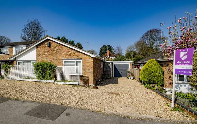 3 Bedrooms Detached Bungalow for sale in Lockstile Way, Goring on Thames, RG8