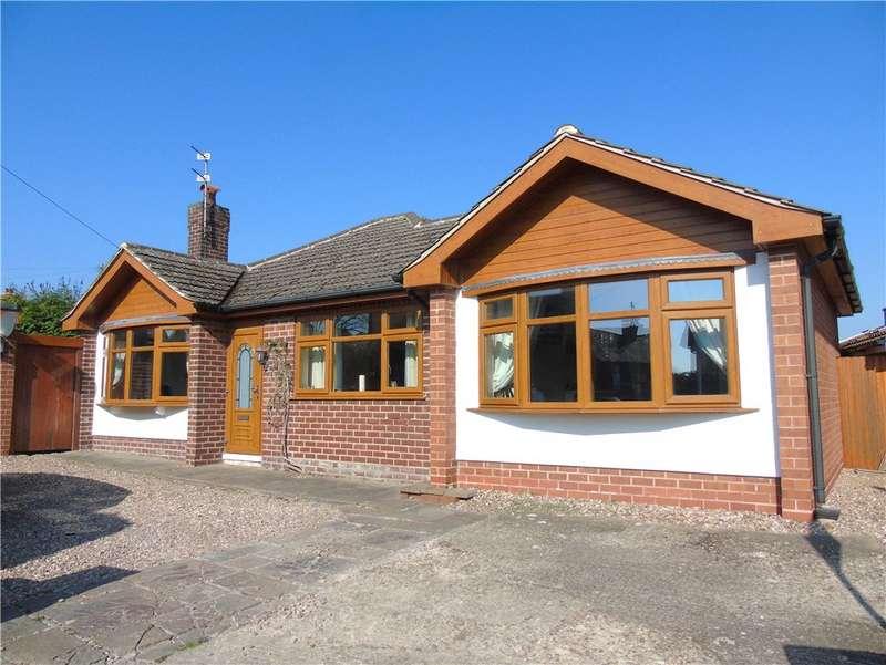 3 Bedrooms Detached Bungalow for sale in Douglas Avenue, Loscoe, Heanor, Derbyshire, DE75