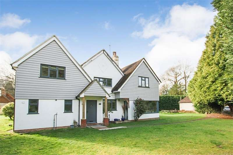 5 Bedrooms Detached House for sale in Prevetts, Snow Hill, Crawley Down, West Sussex