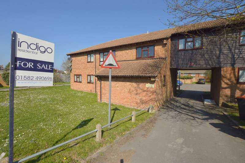 2 Bedrooms Apartment Flat for sale in Spoondell, Dunstable, Bedfordshire, LU6 3JX