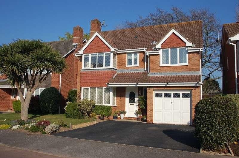 4 Bedrooms Detached House for sale in Tebourba Drive, Alverstoke, Gosport