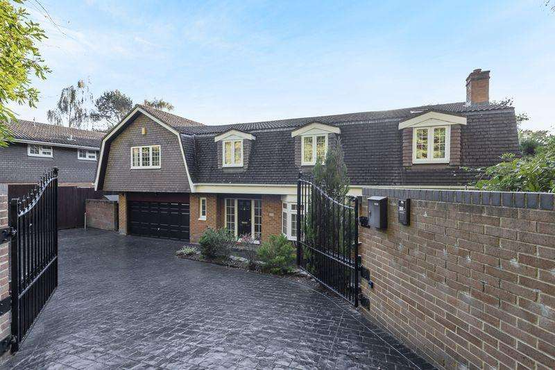 5 Bedrooms Detached House for sale in Frimley Green