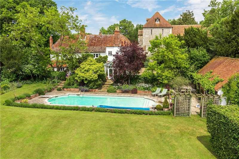 5 Bedrooms Detached House for sale in Pamber End, Tadley, Hampshire, RG26
