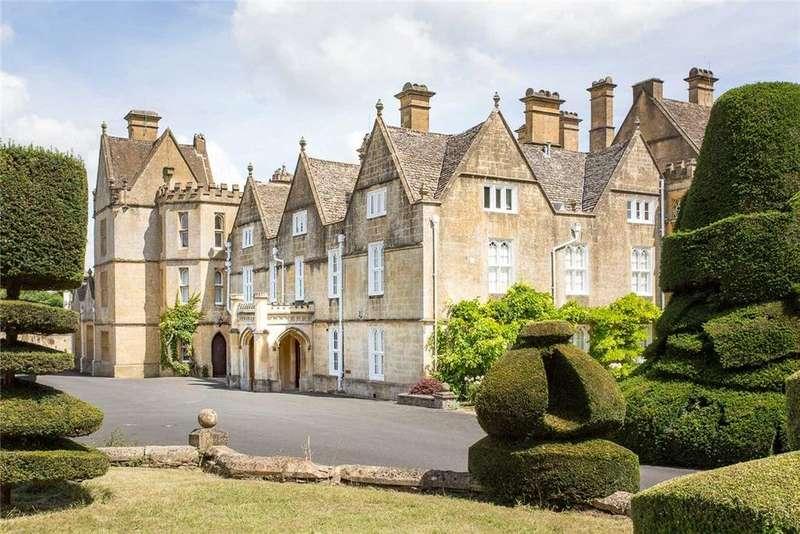 4 Bedrooms Flat for sale in Brockhampton Park, Brockhampton, Cheltenham, Gloucestershire, GL54