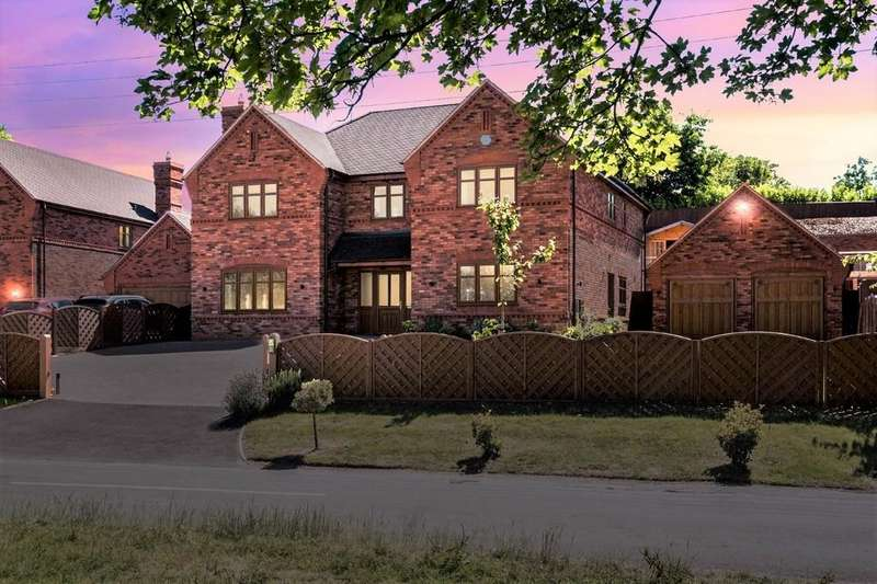 5 Bedrooms Detached House for sale in Rake Hill, Burntwood, Staffordshire