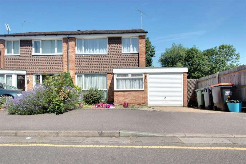 3 Bedrooms Semi Detached House for sale in Orchard Drive, Linslade, Leighton Buzzard, Bedfordshire