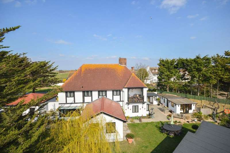 4 Bedrooms Detached House for sale in Littlestone, TN28