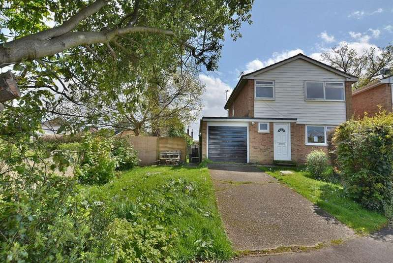 3 Bedrooms Detached House for sale in Holworth Close, Bournemouth