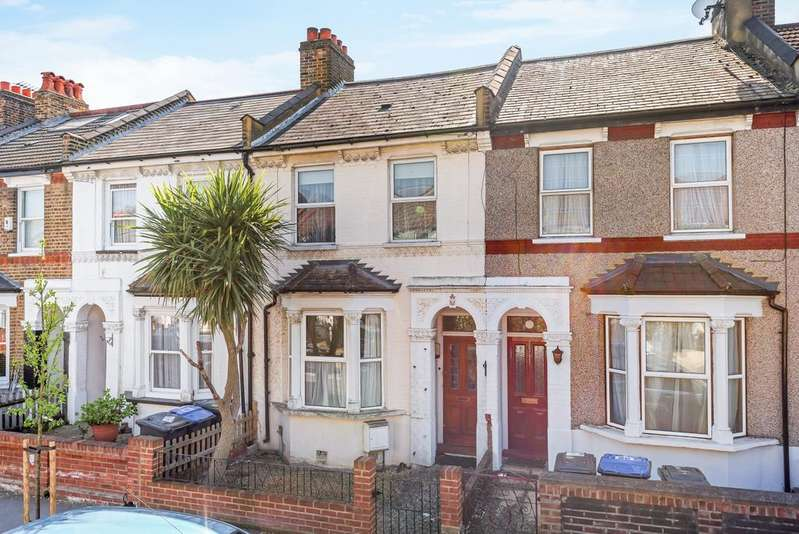 2 Bedrooms Terraced House for sale in Watcombe Road London SE25