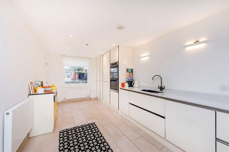 4 Bedrooms Terraced House for sale in Beatty Road, London, N16