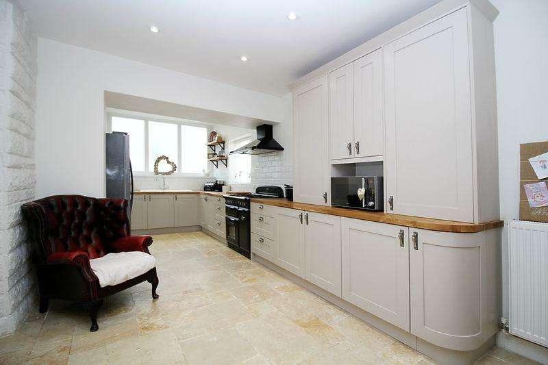 4 Bedrooms Unique Property for sale in Tyfica Road, Graigwen, Pontypridd, CF37 2DA