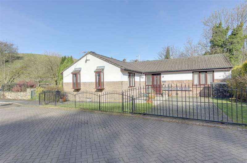 3 Bedrooms Detached Bungalow for sale in Hargreaves Court, Lumb, Rossendale