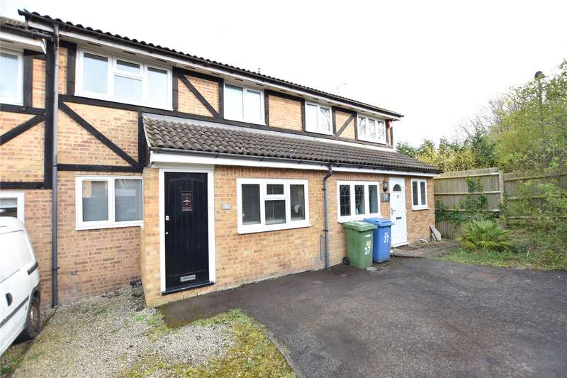 2 Bedrooms Terraced House for rent in Challis Place, Bracknell, Berkshire, RG42
