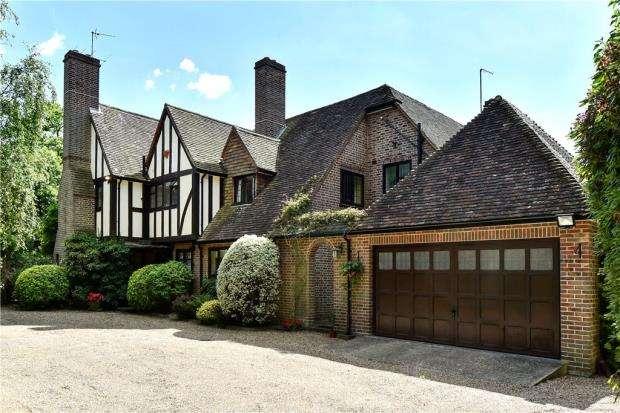 6 Bedrooms Detached House for sale in Heathway, Camberley, Surrey