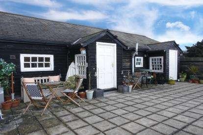 1 Bedroom Flat for sale in King Street, Potton, Sandy, Bedfordshire