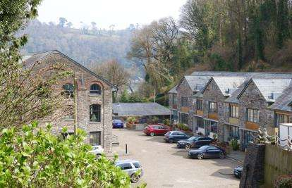 3 Bedrooms Terraced House for sale in Warfleet Creek Road, Dartmouth, Devon