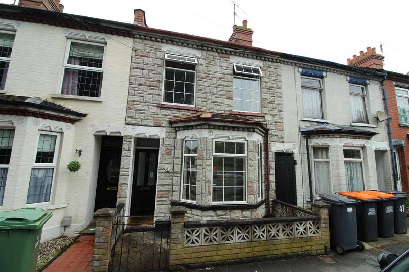 3 Bedrooms Terraced House for sale in West Parade, Dunstable