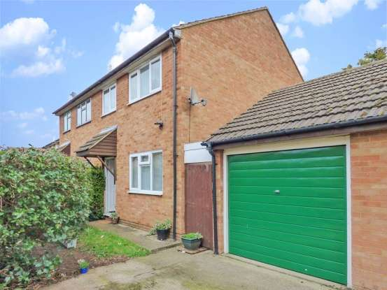 3 Bedrooms Semi Detached House for sale in Thirlmere Gardens, Bedford, Bedfordshire, MK45 1QX