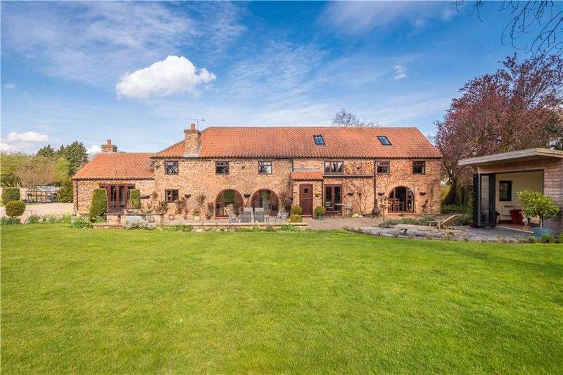 5 Bedrooms Detached House for sale in The Old Barn, Main Street, Askham Richard, York, YO23