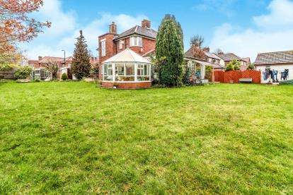 4 Bedrooms Detached House for sale in Homelands Road, Sale, Cheshire, Greater Manchester