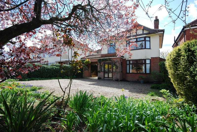 4 Bedrooms Detached House for sale in Wymondham