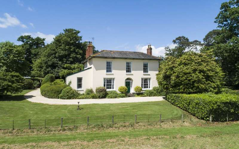 6 Bedrooms Detached House for sale in Llangybi, Monmouthshire