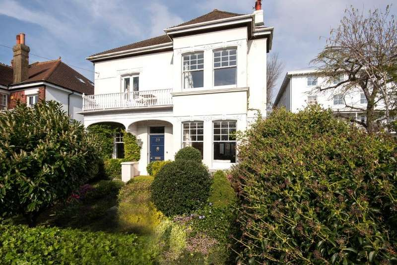 5 Bedrooms Detached House for sale in West Drive, Brighton, East Sussex, BN2
