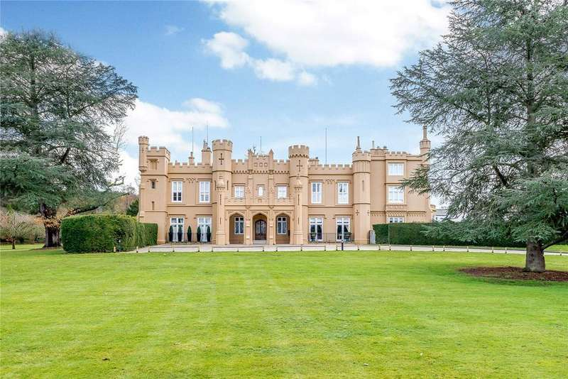 5 Bedrooms Flat for sale in Wall Hall Mansion, Wall Hall Drive, Aldenham, Hertfordshire