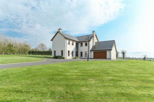 5 Bedrooms Detached House for sale in Lurgan Road, Dromore, County Armagh