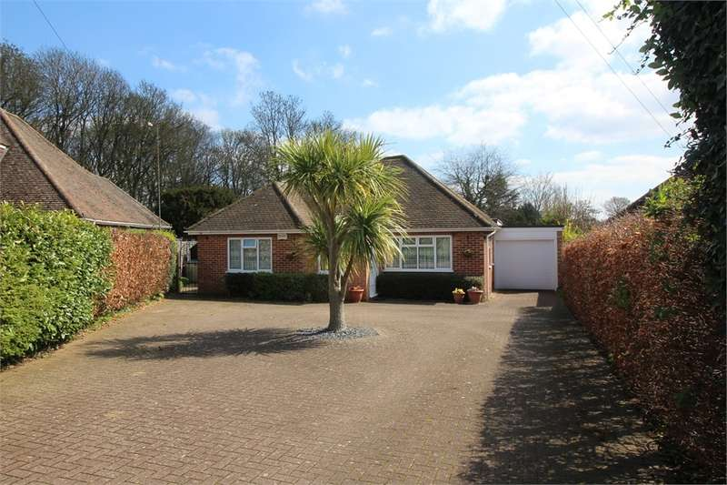 3 Bedrooms Detached Bungalow for sale in Orchard Close, Tilehurst, READING, Berkshire