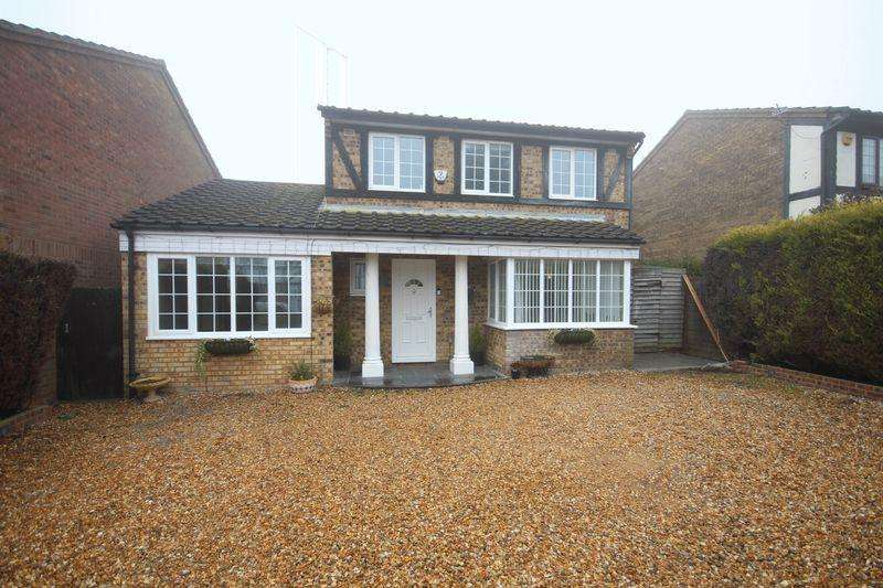 4 Bedrooms Detached House for sale in Colwell Rise, Luton