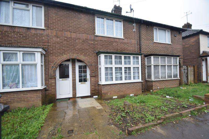 2 Bedrooms Terraced House for sale in Connaught Road, Luton