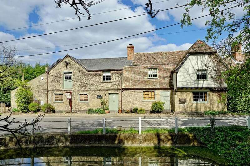 5 Bedrooms Detached House for sale in Graveley, St Neots, Cambridgeshire