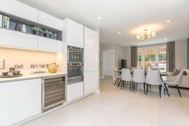 5 Bedrooms Terraced House for sale in Woodside Avenue, Muswell Hill, London, N10