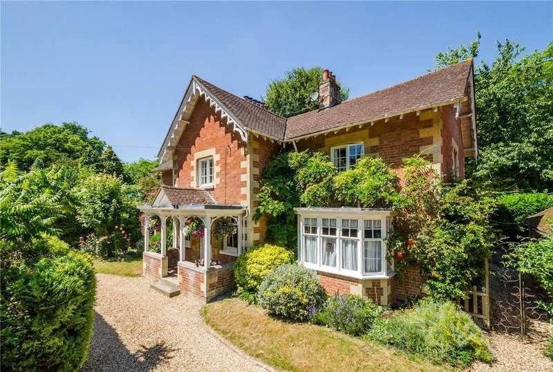 5 Bedrooms Detached House for sale in High Street, Erlestoke, Devizes, Wiltshire, SN10
