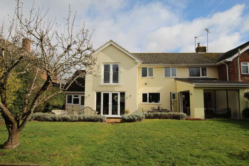 4 Bedrooms Semi Detached House for sale in Carling Road, Sonning Common