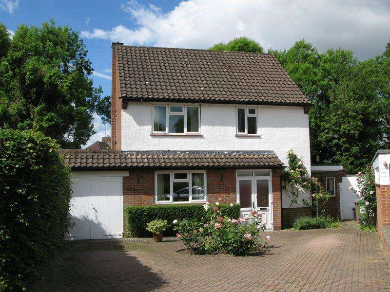 4 Bedrooms Detached House for sale in Honeygate.