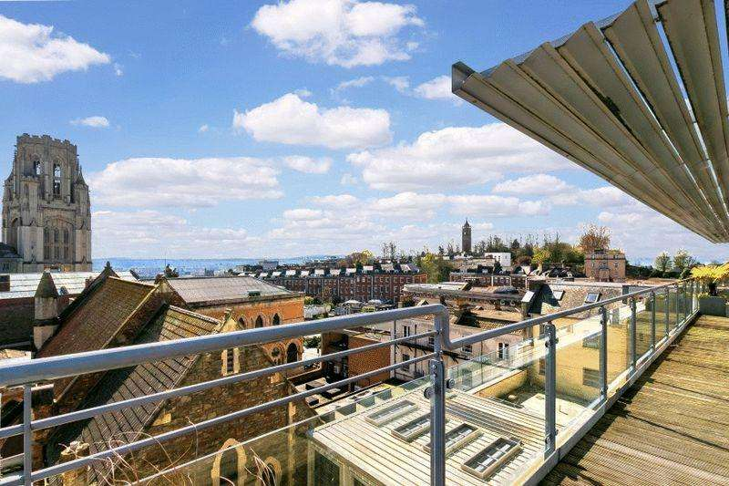 3 Bedrooms Apartment Flat for sale in Elmdale Road, Clifton