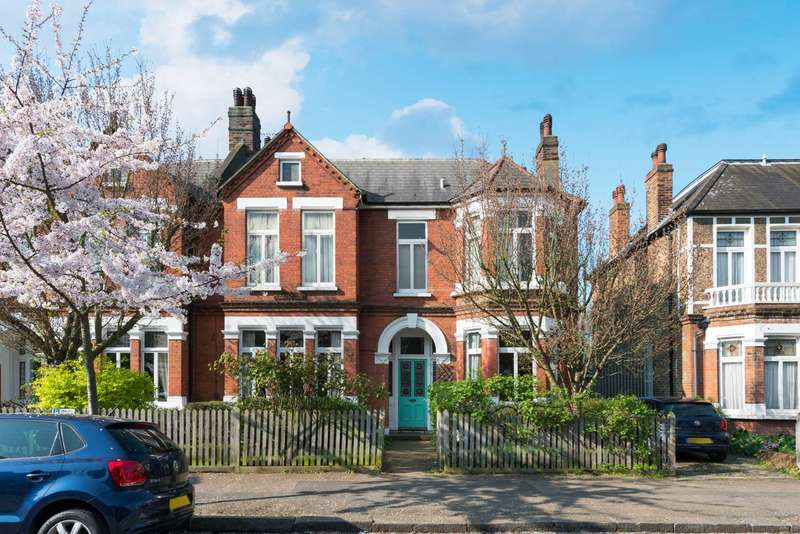 5 Bedrooms Semi Detached House for sale in Stradella Road, Herne Hill