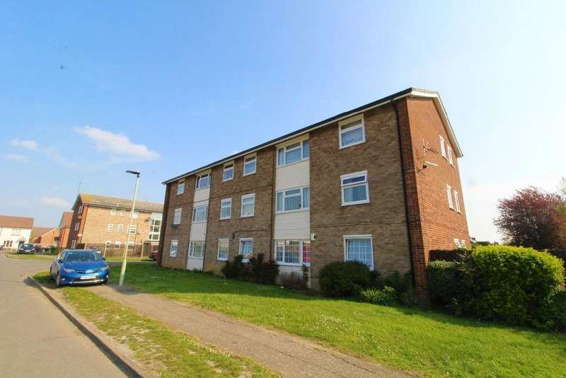 3 Bedrooms Flat for sale in Ramsey Close, Kempston, MK42