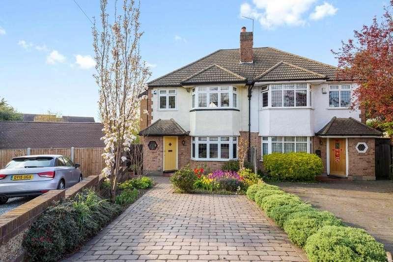 4 Bedrooms Semi Detached House for sale in Devon Close, Buckhurst Hill